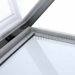 Vitrine d'affichage LED Poster. Ouverture avec vérin