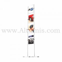 Totem d'affichage sur tige Inox 10 mm avec porte-affiche vertical. Agencement de salle d'accueil. Altumis