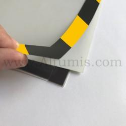 Cadre d'affichage magnétique security de la marque Magnetis®. Affichage simple face. Encadrement magnétique sur les 4 côtés