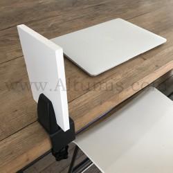 Pince de table pour panneau. Pince supérieure réversible à 90°. Situation latérale